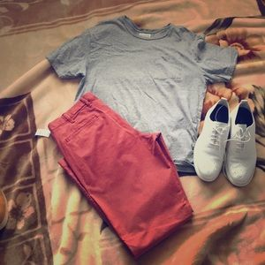 Gray fitted t shirt